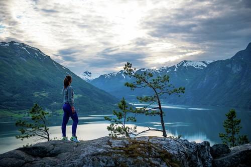 http://visitjostedalsbreen.no/wp-content/uploads/segestad-fn1110chm-500-foto-sverre-hjornevik-1.jpg
